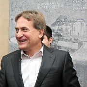 GLASUJTE ANONIMNO U ANKETI Kako ocjenjujete rad gradonačelnika Kalmete?
