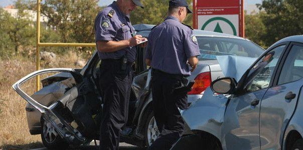 ZBOG IZAZIVANJA PROMETNE NESREĆE NA VIRU Priveden 22-godišnji vozač