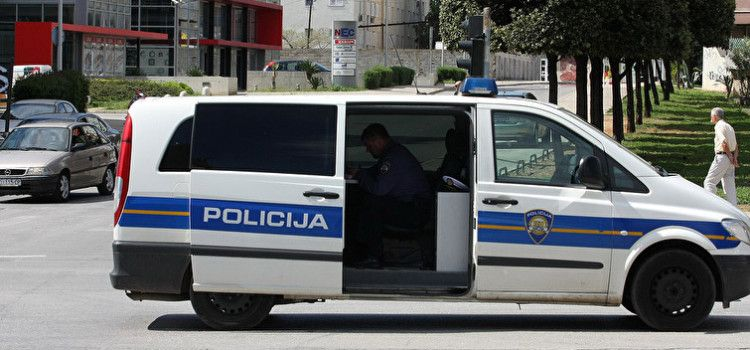 Policija osumnjičila 48-godišnjaka za više od 10 kaznenih djela krađe