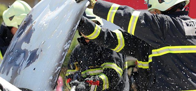 Noćas gorjela dva automobila u Velebitskoj ulici u Zadru