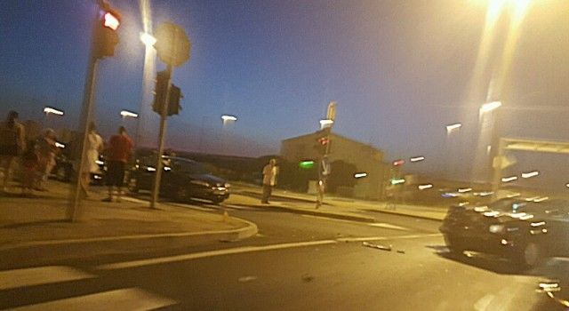 NOVA PROMETNA NESREĆA Na izlazu s Kalmetine sudarila se dva automobila