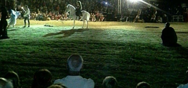 POVIJESNO SCENSKI VITEŠKI SPEKTAKL Tisuće posjetitelja stiglo u Vranu