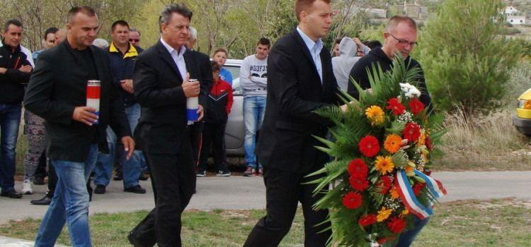 BLAGDAN SVIH SVETIH Polaganje vijenaca u Benkovcu