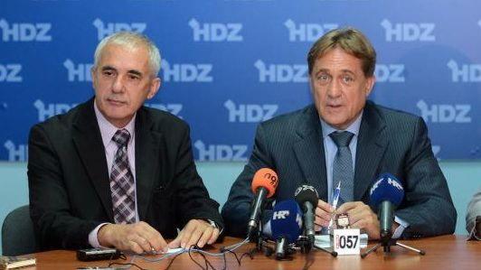 Kalmeta i Stipe Zrilić sazvali konferenciju za medije ispred ribarske luke u Gaženici