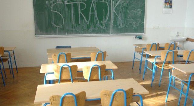 ŠTRAJK POČINJE 25. RUJNA Obustava nastave u školama i na fakultetima