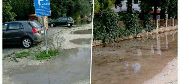 BIOGRAĐANI OGORČENI: Moramo plaćati parking s lokvama dubokim pola metra!