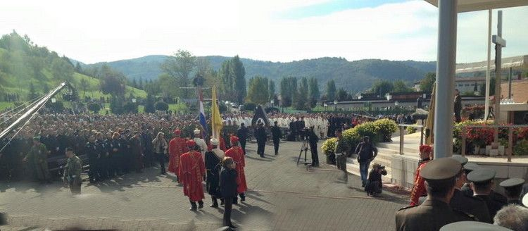 Umirovljeni vojni policajci iz Zadra hodočastili u Mariju Bistricu
