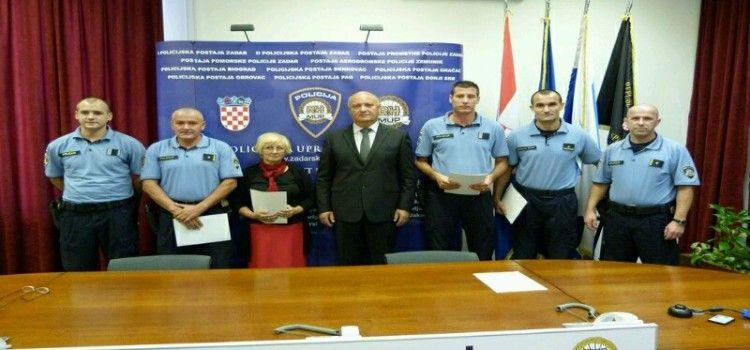 SPASILI ŽIVOT DESETOMJESEČNOJ BEBI Nagrađeni policajci Tomislav Jović i Miroslav Ušljebrka