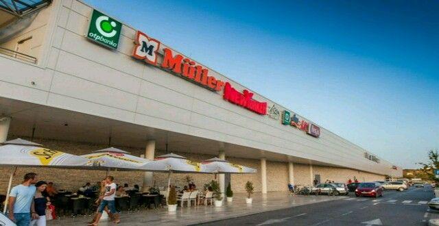 PLJAČKA U SUPERNOVI Lopovi noćas opustošili trgovinu Zara