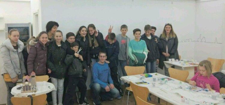 Učenici sudjelovali na radionici u Muzeju antičkog stakla