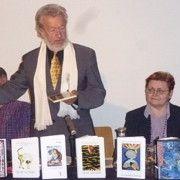 Tomislav Marijan Bilosnić priredio izložbu slika u Beču i predstavio svojih 80-ak knjiga