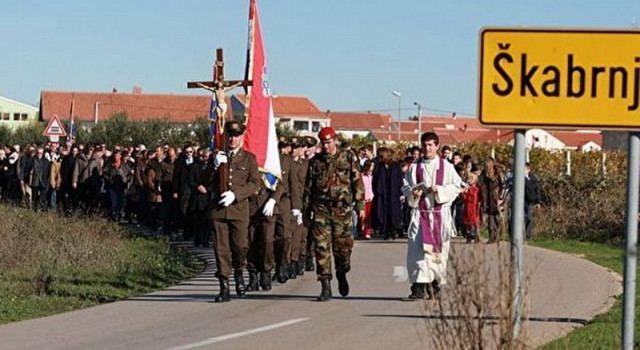 ŠKABRNJA Kolona sjećanja, misa i u podne komemorativni skup za poginule