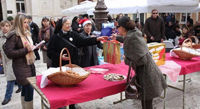 HUMANITARNA AKCIJA Zadrani i ove godine pomažu siromašne građane Vukovara!