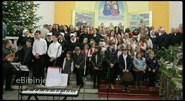 U BIBINJAMA ODRŽAN KONCERT Mještani uživali u božićnim pjesmama