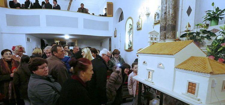 SVOJIM RADOM ODUŠEVIO BIBINJCE Mate Delija izradio maketu crkve Sv. Roka