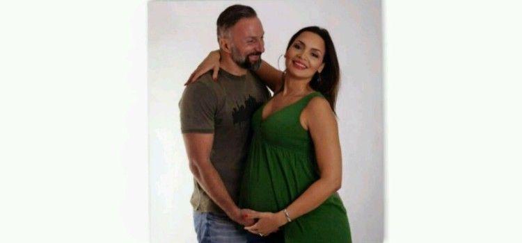 PJEVAČICA MARTINE THOMAS (46) IZGLEDA PREKRASNO Rođenje bebe očekuje ovih dana!