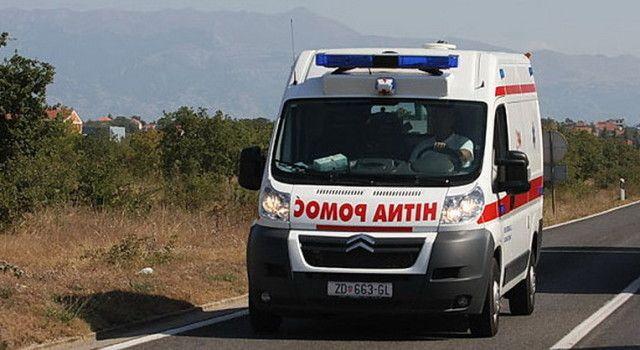 Majka i dvoje djece ozlijeđeni u prevrtanju automobila