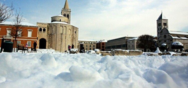 POČELE PAHULJE Očekuje se snijeg u Zadru