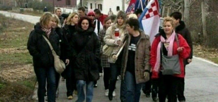 OBLJETNICA AKCIJE MASLENICA Žene po buri i hladnoći pješače od Zelenog Hrasta do Pridrage!