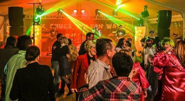 NI ORKANSKA BURA NI HLADNOĆA NISU SMETALI PAŽANIMA Odlično se zabavili na karnevalu!