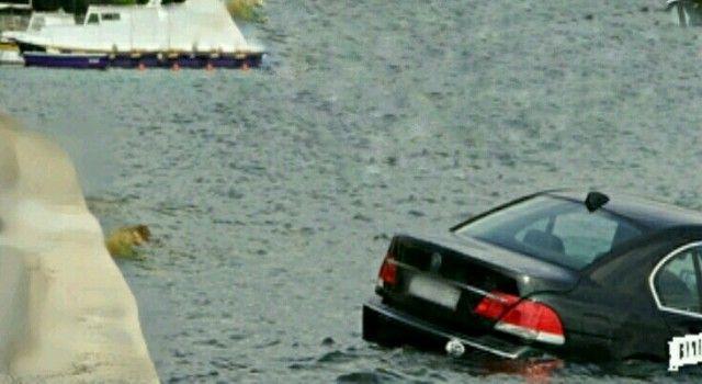 19-godišnji mladić BMW-om sletio u more