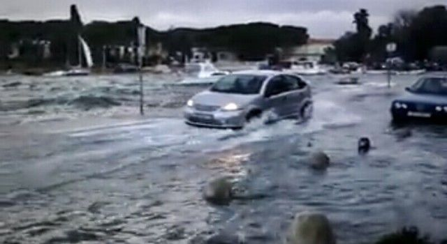 PROBLEMI ZBOG KIŠE Poplavile prometnice, građani ogorčeni