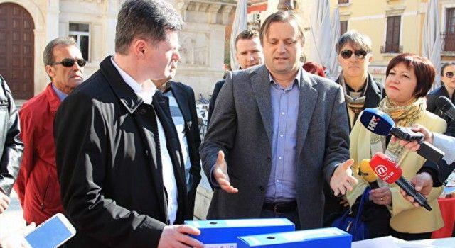 Ministru Nakiću predali peticiju s 13.580 potpisa za osnivanje onkološkog odjela u Zadru!