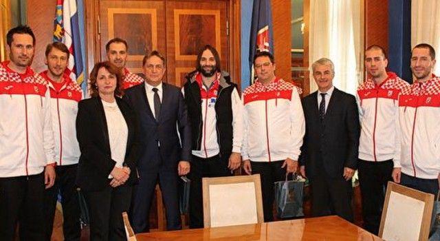 Gradonačelnik Kalmeta primio delegaciju Hrvatske rukometne reprezentacije!