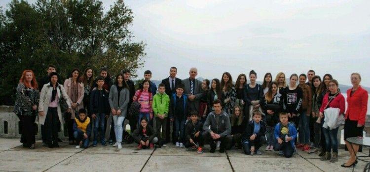 Župan Zrilić sa suradnicima primio učenike hrvatske nastave iz Crne Gore