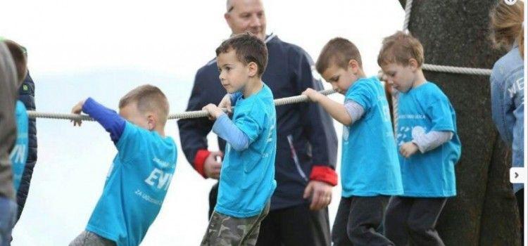 """U ORGANIZACIJI """"LOPTICE"""" Više od 150 mališana pokazalo svoje sportske talente!"""