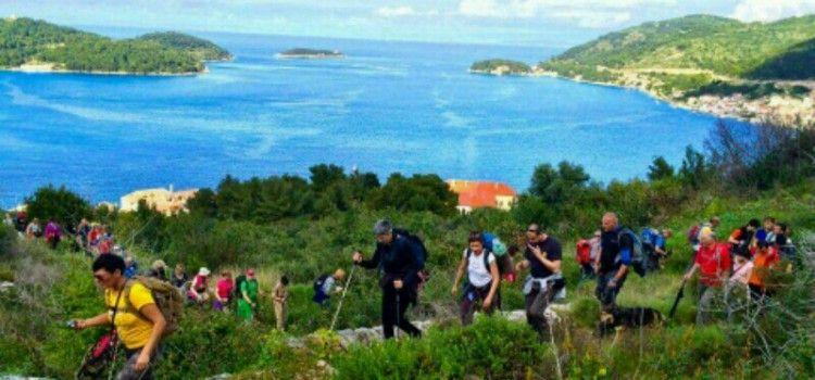 Biogradski planinari na Danima planinara na Visu