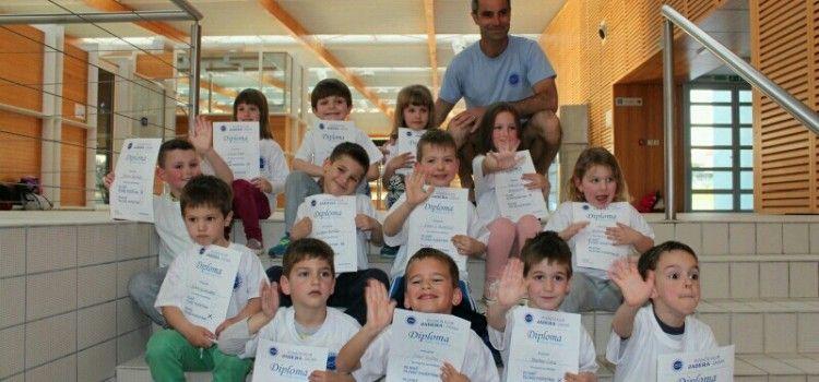 DODJELJENE DIPLOME Obuku plivanja završilo 13 djece