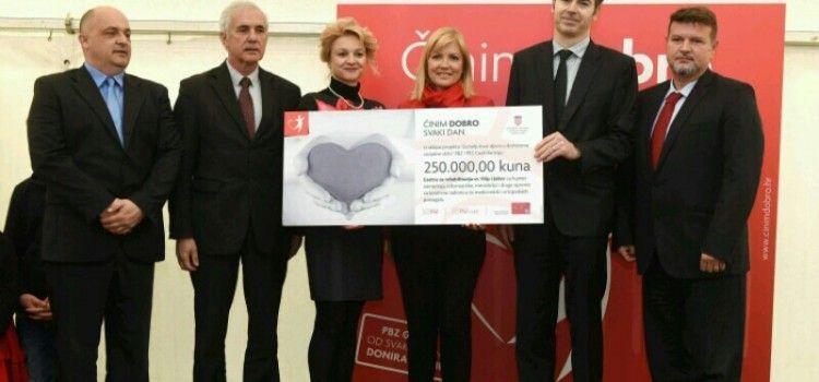 Predstavnici PBZ grupe uručili Centru za rehabilitaciju Sv. Filip i Jakov 250.000 kn!