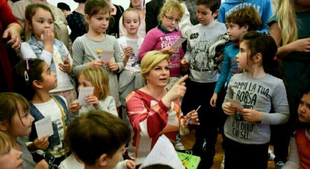 PREDSJEDNICA POSJETILA DUGI OTOK Obavila niz sastanaka, a družila se i s učenicima