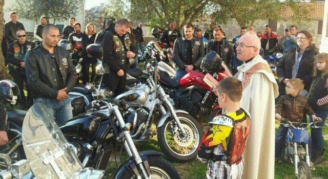 Moto klub Duhovi iz Biograda organizira blagoslov motora