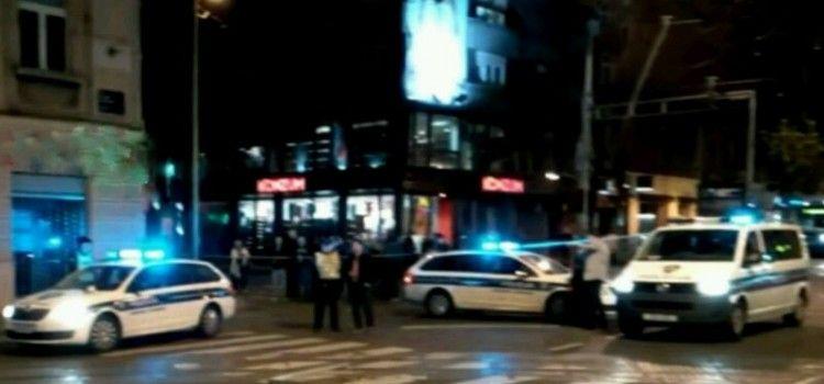 KIŠA OTEŽAVA PROMET Lančani sudar na Bulevaru, dvoje ozlijeđenih u ulici Benka Benkovića