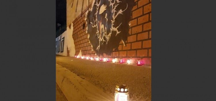 Pripadnici biogradske Torcide odali počast poginulom Žanu Ojdaniću, legendarnom vođi Torcide