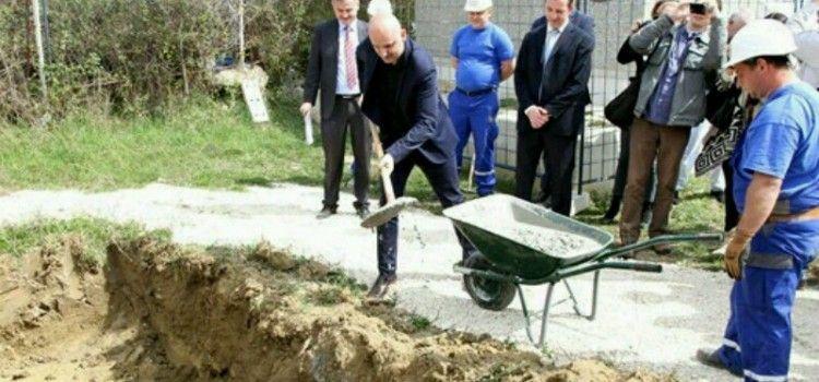 Ministar Tolušić otvorio radove na izgradnji stambene zgrade za 21 obitelj u Benkovcu