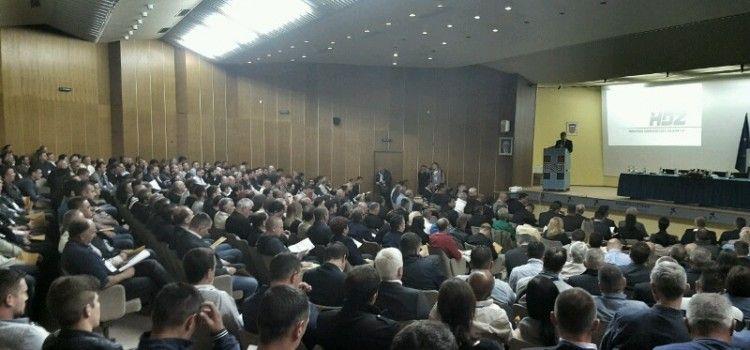 ZAPOČELA IZBORNA SKUPŠTINA ŽUPANIJSKOG HDZ-A Kalmeta i Ćurko kandidati za predsjednika
