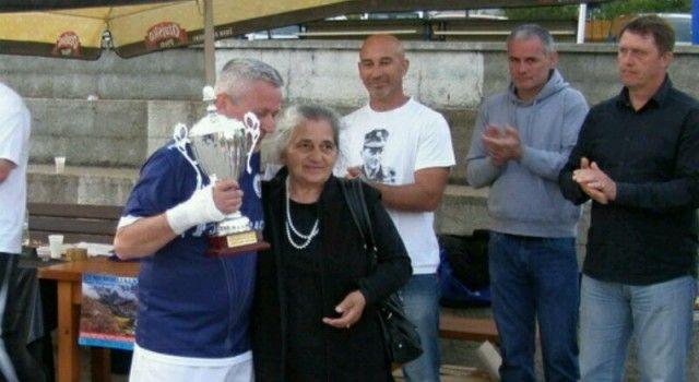Majka pokojnog Damira Tomljanovića Gavrana dirnuta pažnjom i sjećanjem ratnih suboraca