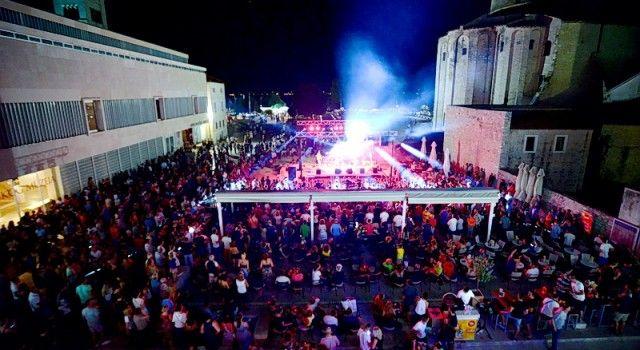FOTOGALERIJA Proslava 4. rođendana hostela Forum i koncert grupe Let 3