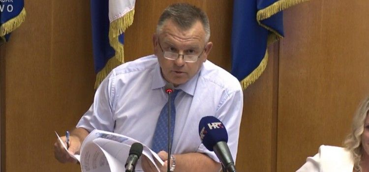 NEPOTIZAM Direktor Lenko Ugrinić zaposlio bez natječaja pet članova svoje obitelji u Nasade!