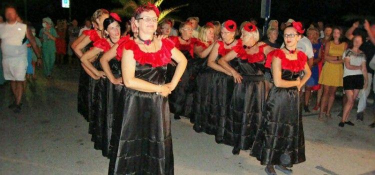 U BIOGRADU Održan tradicionalni ljetni karneval
