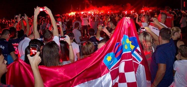 FOTOGALERIJA Veličanstven doček Fantele i Marenića u Zadru (Foto: Toni BUČIĆ)