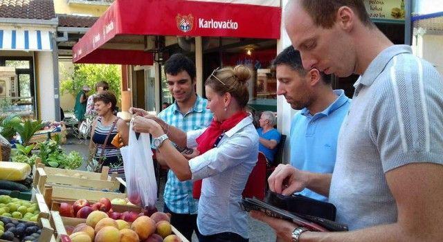 FOTOGALERIJA Druženje kandidata SDP-a s građanima na otocima