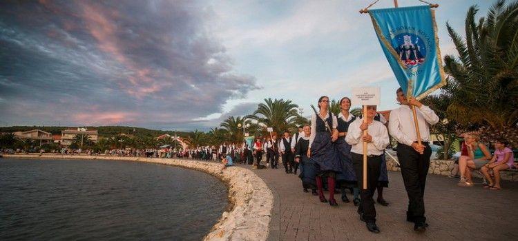 VELIKA FOTOGALERIJA Večer folklora u Bibinjama (Foto: Saša Čuka)