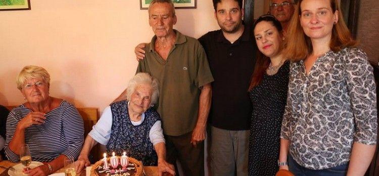 U KRUGU OBITELJI I PRIJATELJA Lucija Luca Ćepulo iz Vira proslavila svoj 100. rođendan!