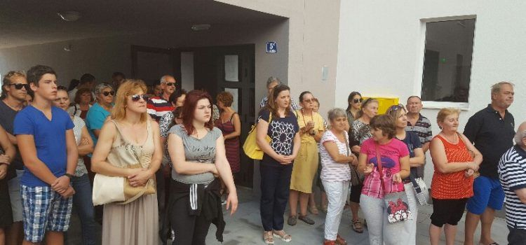 SRETAN DAN ZA 73 SIROMAŠNE OBITELJI Dobili socijalni stan!