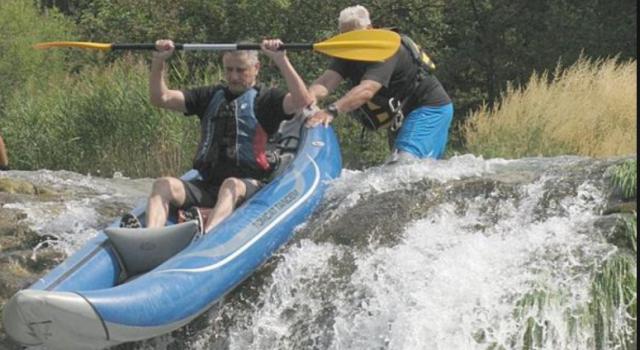 Tomislav Karamarko liječi stres u kajaku na rijeci Zrmanji
