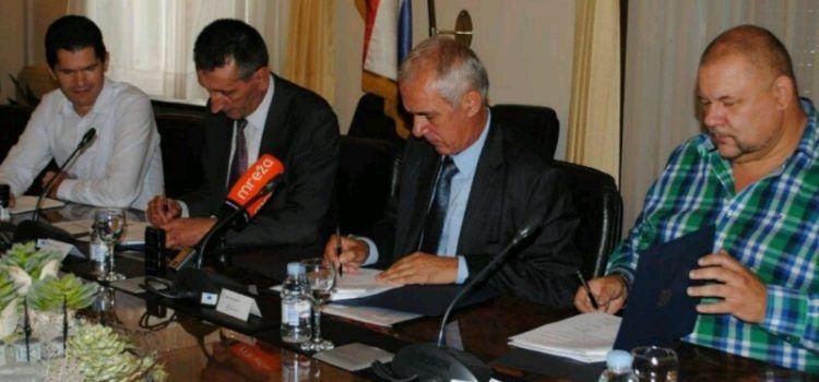 Potpisan ugovor o razminiranju poljoprivrednog zemljišta vrijedan 7,5 milijuna kuna